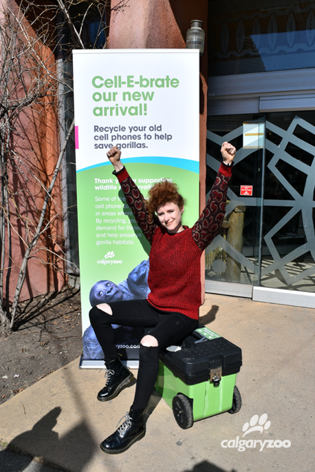 Here for recycling- Kiesza chats with a crowd of zoo visitors about the cell phone recycling program. Find the bin in the TransAlta Rainforest!